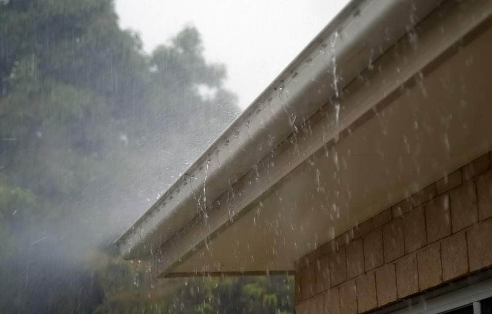 Common Signs of Blocked Guttering